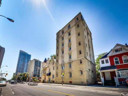 Isabella Hotel & Suites - Toronto, ON M4X 1L3