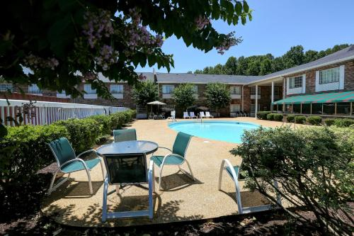 Country Inn & Suites by Radisson, Charlotte I-85 Airport, NC Photo
