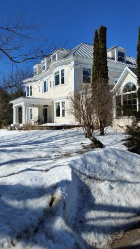 The Inn On Winter's Hill - Kingfield, ME 04954
