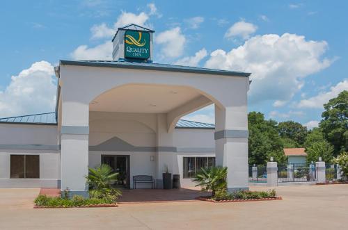 Quality Inn Carthage - Carthage, TX 75633