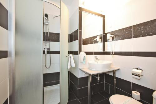 Medosz Hotel photo 51