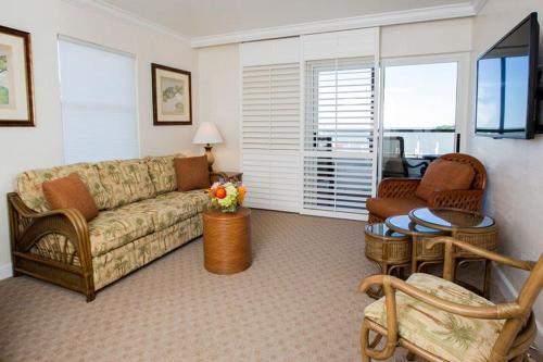 Tween Waters Inn Island Resort Photo