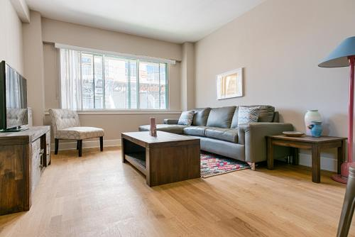 One-bedroom On Rue Aylmer Apt 909