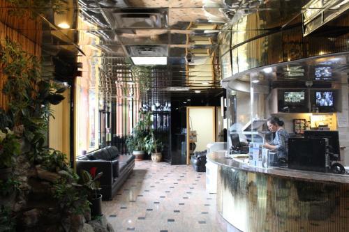 JFK Inn Photo