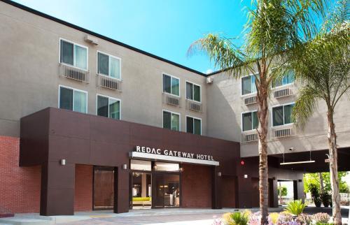 Redac Gateway Hotel Torrance Photo