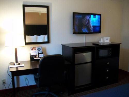 Americas Best Value Inn Romulus/detroit Airport - Romulus, MI 48174
