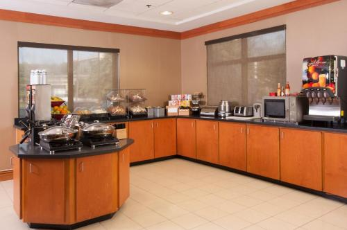 Fairfield Inn & Suites Atlanta Airport South/sullivan Road - College Park, GA 30337
