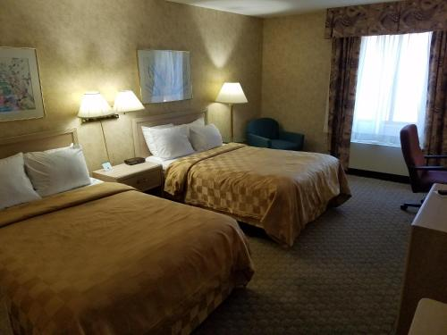 Clarion Hotel Lake Erie - Erie, PA 16505