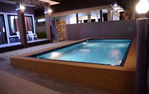 Whale Pool Villa