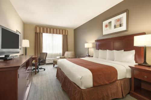 Country Inn & Suites by Radisson, Tampa East, FL Photo