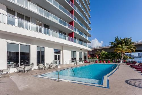 Bw Miami Vacation Als At Beachwalk Resort Hotel Hallandale