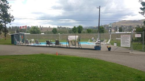 Evergreen Motel - Princeton, BC V0X 1W0