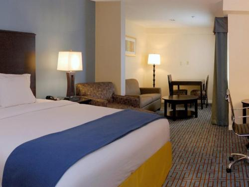 Holiday Inn Express Los Angeles Downtown West Photo