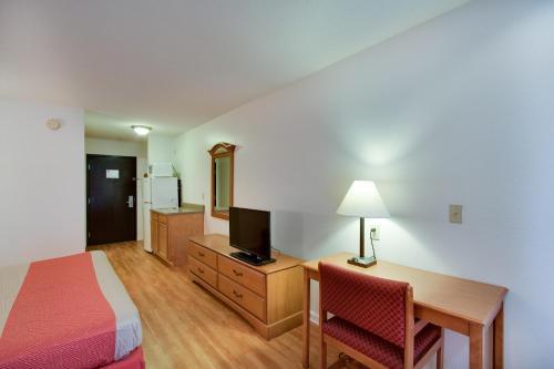 Motel 6 Hinesville Ga - Hinesville, GA 31313