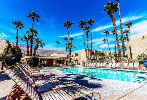 Desert Vacation Villas Photo
