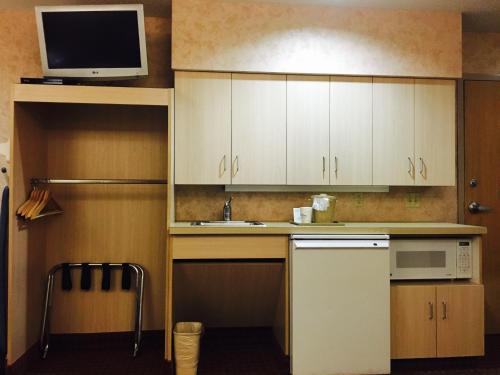 Microtel Inn & Suites by Wyndham Syracuse Baldwinsville Photo