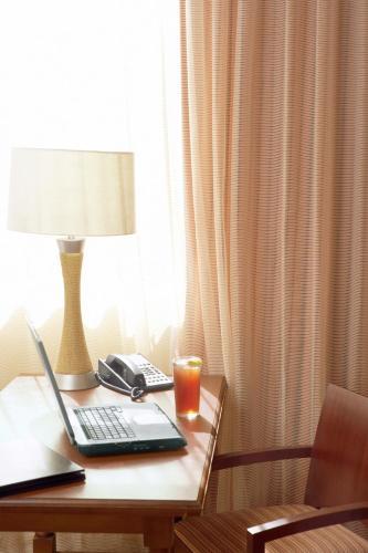 Country Inn & Suites by Radisson, Minneapolis/Shakopee, MN Photo