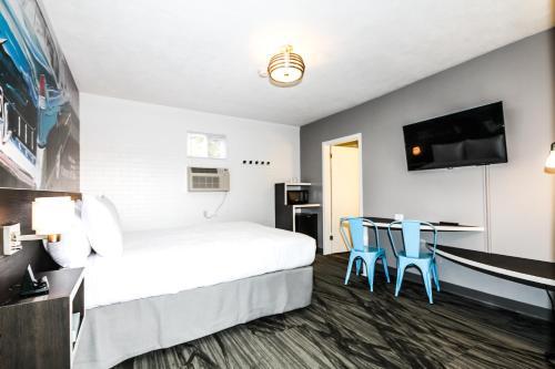 Cadillac Motel Niagara - Niagara Falls, ON L2G 1R7