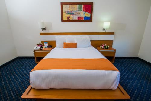 Hotel Sleep Inn Monclova Photo