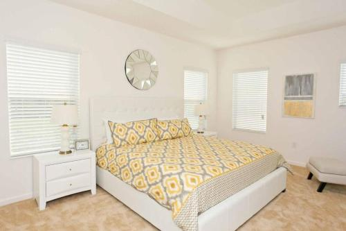 4566 Cabello House Photo