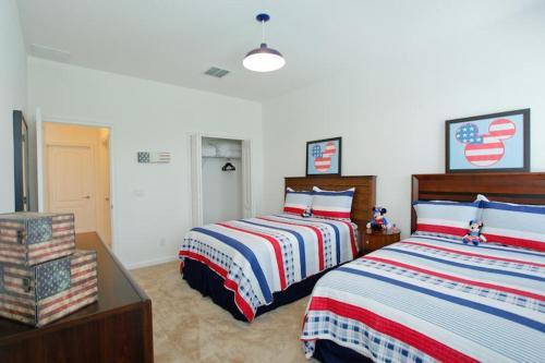 4384 Acorn House Photo