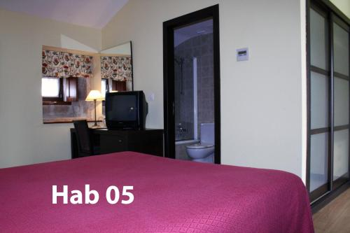 Budget Double Room Hotel Pazo de Lestrove by Pousadas de Compostela 3