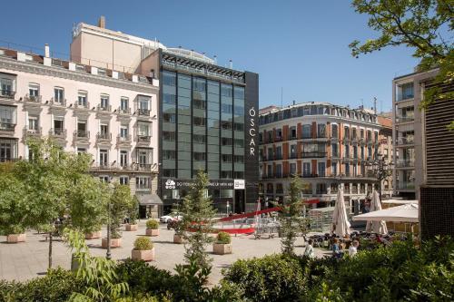 Plaza Pedro Zerolo 12, 28004 Madrid, Spain.