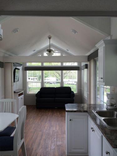 Circle M Camping Resort Loft Park Model 21 - Lancaster, PA 17603
