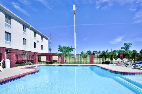 Country Inn & Suites by Radisson, Ruston, LA Photo