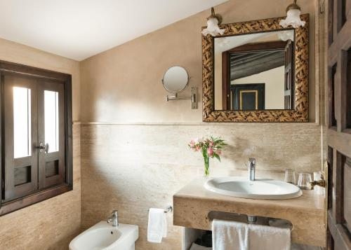 Habitación Superior Hotel Casa 1800 Granada 11