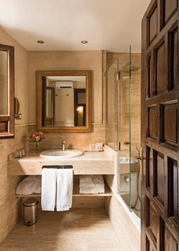 Habitación Superior Hotel Casa 1800 Granada 10