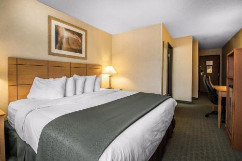 Quality Inn Dubuque - Dubuque, IA 52003
