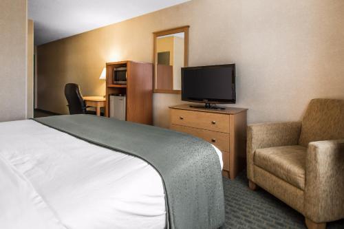 Quality Inn Dubuque Photo