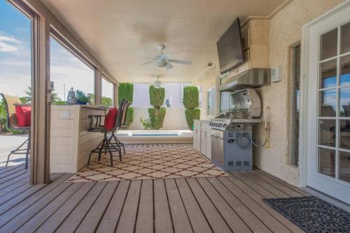 6 Bedroom House In La Solana Way Las Vegas