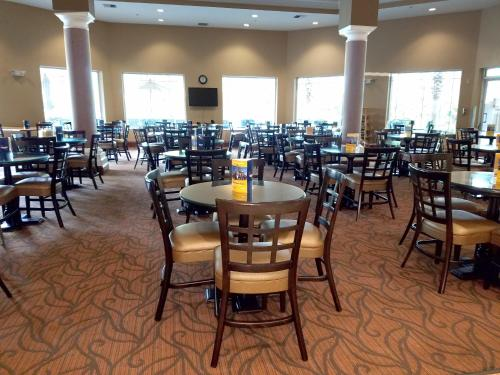 Hawthorn Suites by Wyndham Lake Buena Vista, a staySky Hotel & Resort photo 16