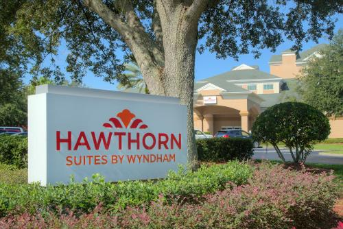 Hawthorn Suites by Wyndham Lake Buena Vista, a staySky Hotel & Resort photo 21