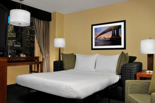 DoubleTree Suites by Hilton NYC - Times Square photo 35