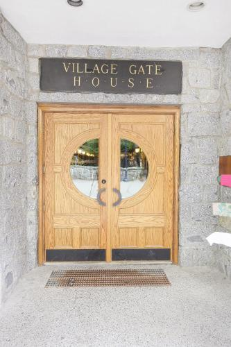 Village Gate House By Whiski Jack - Whistler, BC V0N 1B4
