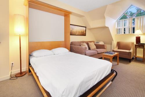 Whistler Village Centre By Elevate Vacations - Whistler, BC V0N 1B4