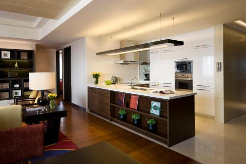 The Sandalwood Beijing Marriott Executive Apartments photo 4