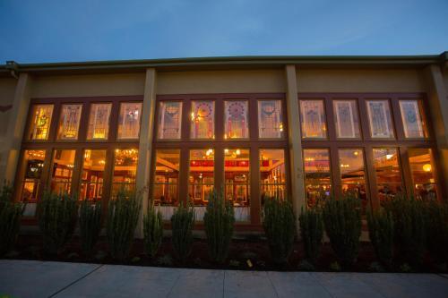 Mcmenamins Anderson School - Bothell, WA 98011