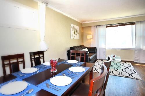 Comfort Yorkdale Residence - North York, ON M3H 4E9