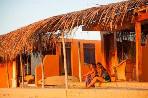Lobitos Surf House Photo