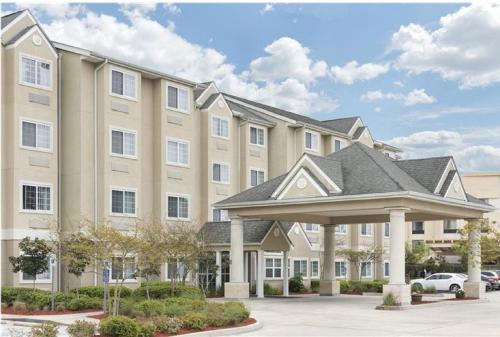 Microtel Inn and Suites Baton Rouge Airport Photo