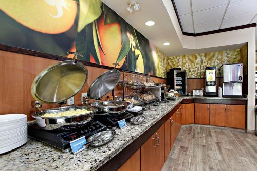 Fairfield Inn & Suites Sudbury - Sudbury, ON P3A 3T3