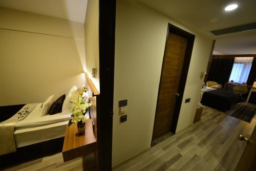 Aksan Hotel, Izmir