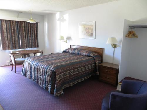 Stetson Village Inn - Calgary, AB T2J 3K9