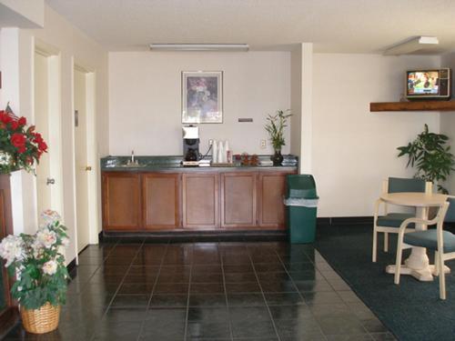 Garden Inn & Suites - Metter - Metter, GA 30439