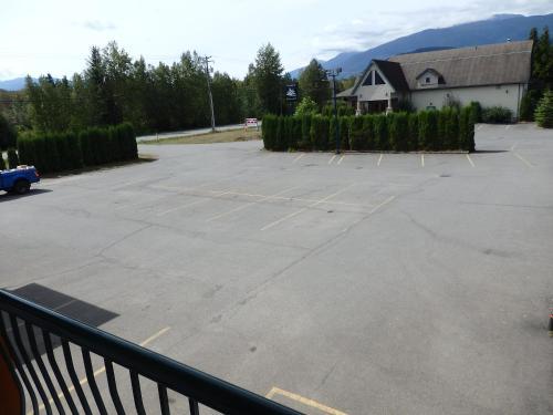 Mumfords Lodging - Terrace, BC V8G 0C6