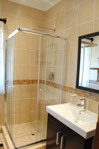 125 on Van Buuren Road Guest House Photo